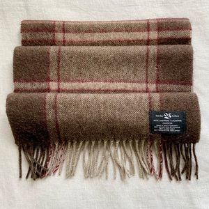 NWOT 100% Cashmere The Bay Scarf